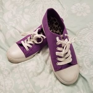 Airwalk Sneakers in Purple